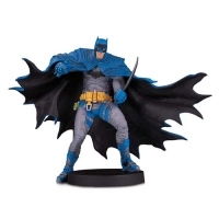 Фигурки Бэтмена - Фигурка Бэтмен (Designer Series Statue Batman by Rafael Grampa)